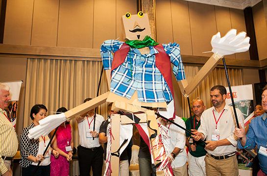 Team Building photos Giant Puppet Show 3.jpg
