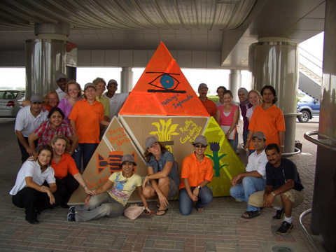 Team Building photos Flat Out Pyramides 1.jpg